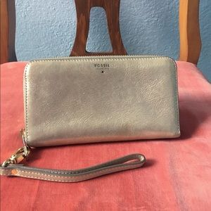 -Fossil- 💕Nude Gold Wallet